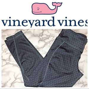 Vineyard Vines whale tail print leggings